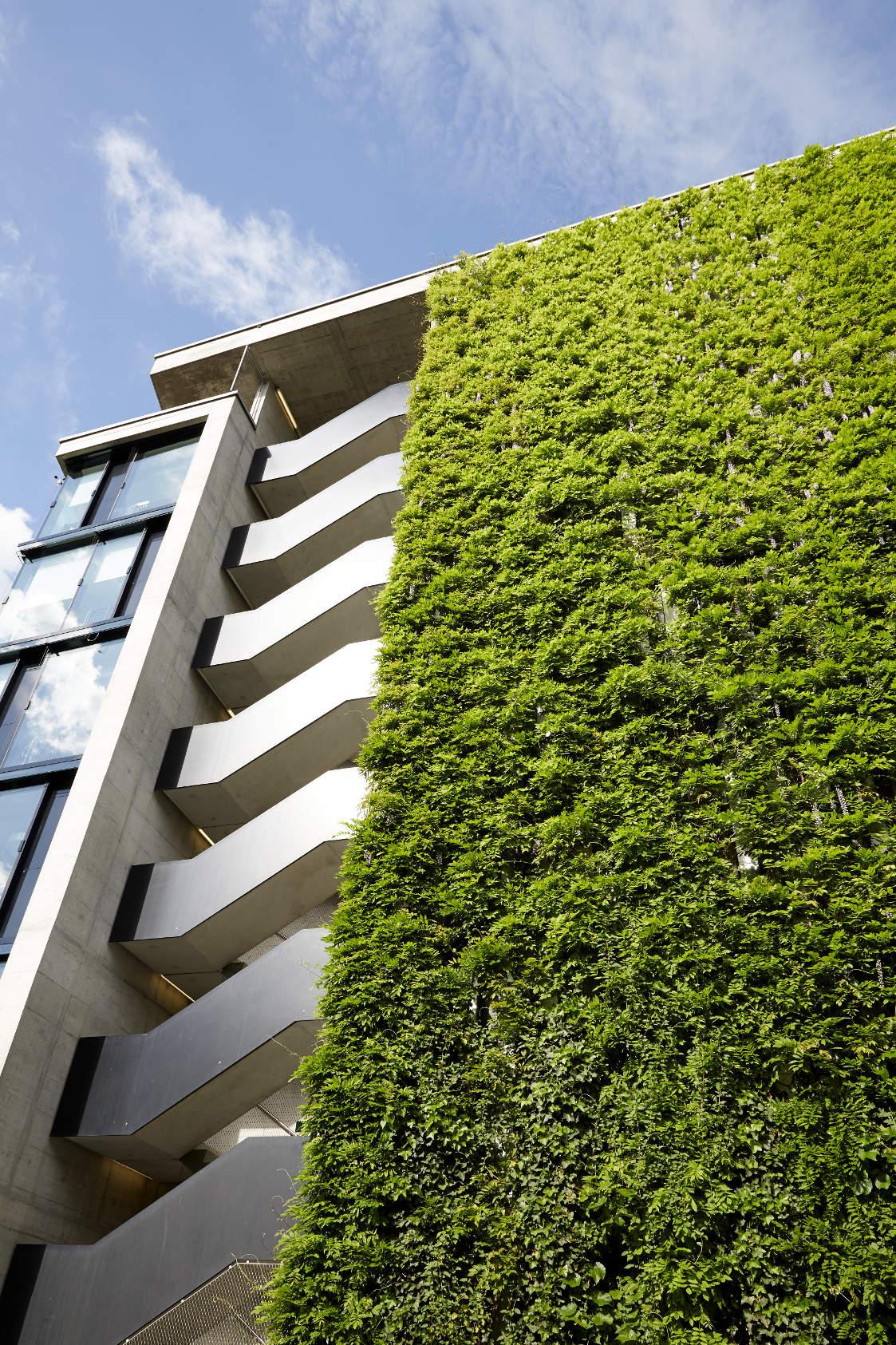 sihlcity green wall  zurich